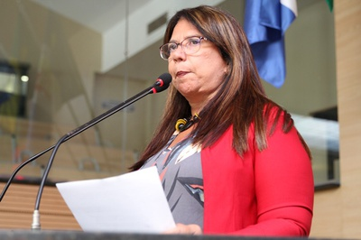 Goretti Queiroz anuncia obras de ampliação no Hospital Veterinário do Recife