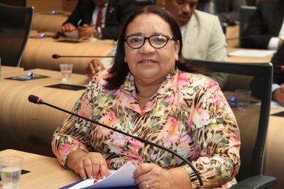 Aimée Carvalho sugere inserir Libras como disciplina obrigatória na rede municipal