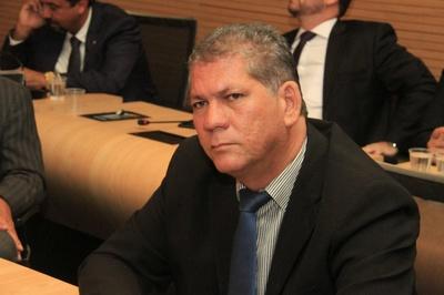 Almir Fernando sugere medidas preventivas durante pandemia